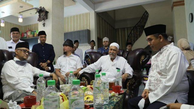 Ahmad Muzani dengan didampingi sejumlah anggota DPR dan DPP Gerindra bersilaturahmi ke sejumlah pesantren di Jawa Timur